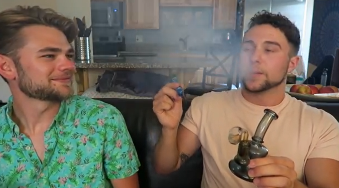 Arend The Gay Stoner Ty Turner Does His First Dab!