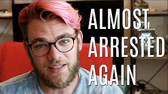 Arend Richard ALMOST ARRESTED FOR SMOKING WEED (AGAIN)