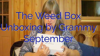 MaryLovesGlass The Weed Box September Unboxing