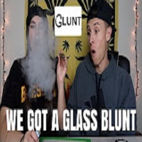 FIRST TIME SMOKING OUT OF A GLASS BLUNT !!! **GLUNT**