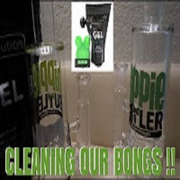 HOW WE CLEAN OUR BONGS VS RESOLUTION GEL !! | NamelessStoners