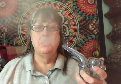 MaryLovesGlass Vlog Mary's Wake and Bake